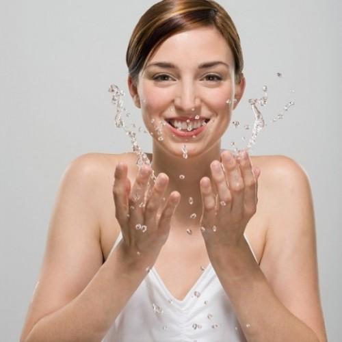 Rửa mặt nhiều không tốt cho da bị mụn