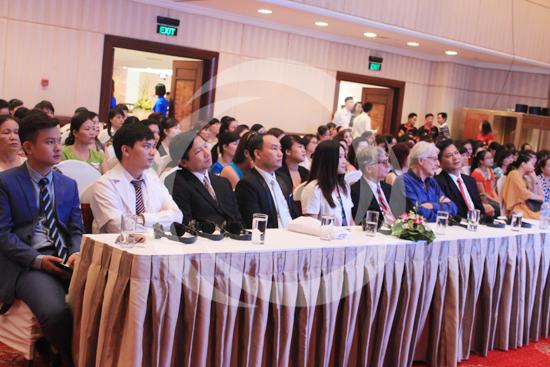 Hội thẩm thẩm mỹ diễn ra thu hút sự quan tâm của nhiều khách hàng