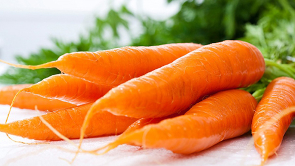 Trị mụn trứng các bọc tại nhà dễ dàng với cà rốt