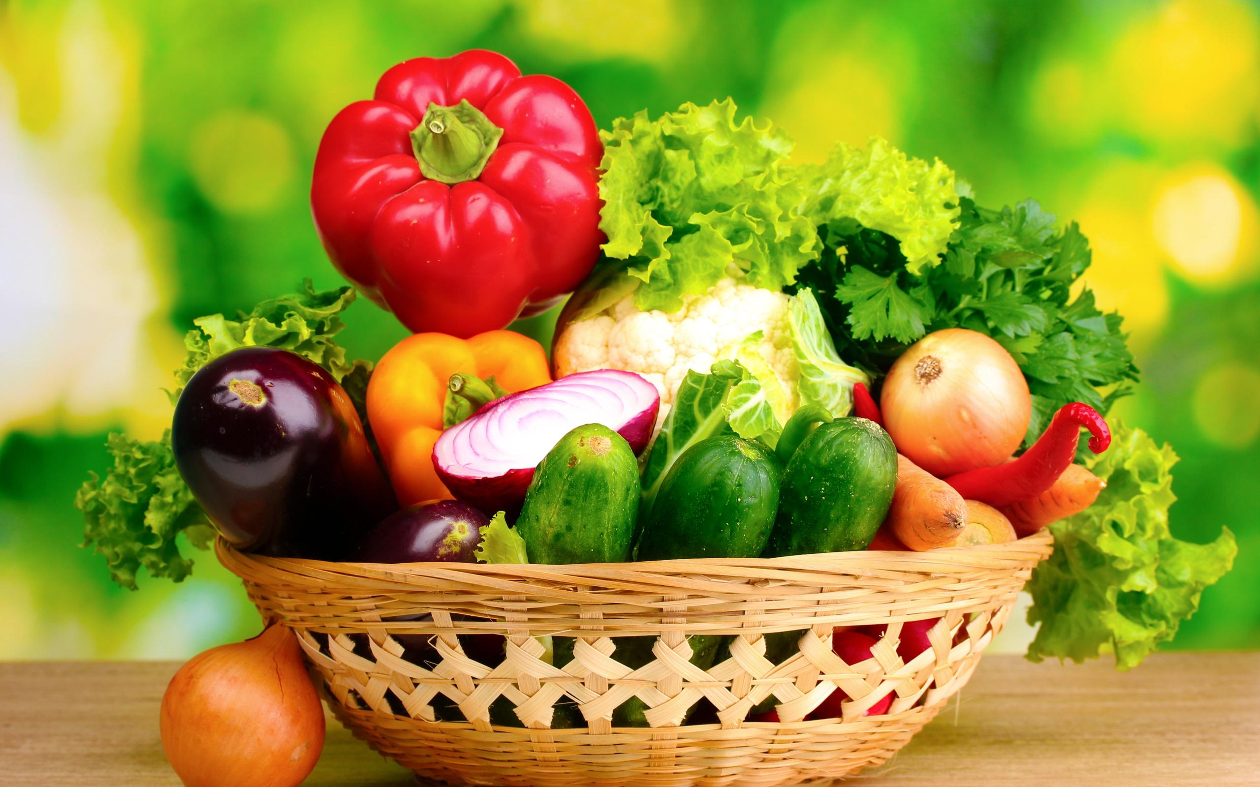 Sử dụng các rau củ có màu đỏ hỗ trợ giảm mụn trứng cá