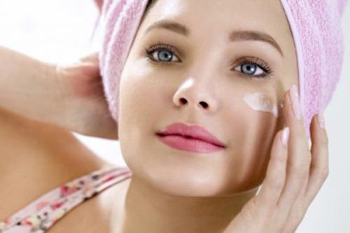5 bước chăm sóc da mặt bị mụn đơn giản để có làn da hết mụn
