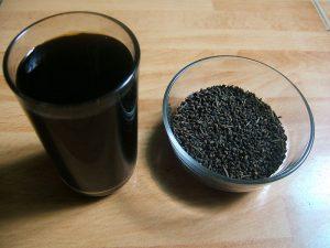 Bí quyết uống nước đậu đen rang trị mụn làm sáng mịn làn da