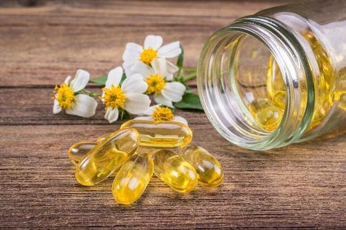 Vitamin E trị thâm mụn hiệu quả