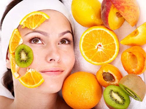 Đắp mặt nạ đều đặn thường xuyên để da sạch mụn, mịn màng