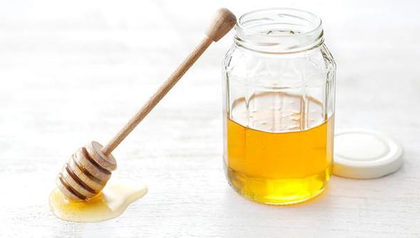 Đơn giản với cách trị mụn bọc bằng mật ong