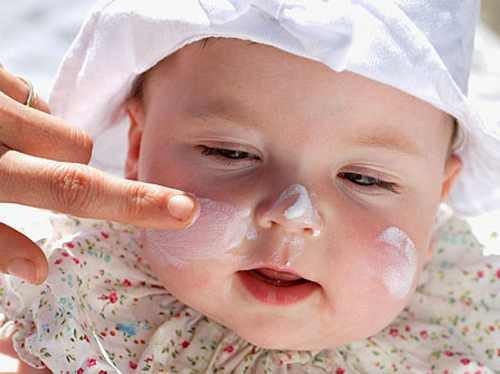 Làm sao để con hết mụn sữa trẻ sơ sinh? Lời khuyên nào dành cho mẹ 3